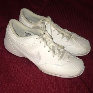 Nike women's cheer shoes